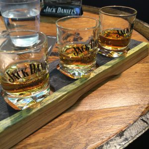 Jack Daniel'sのテイスティングセット。手元からBlack、Gentleman Jack、Single Barrel。
