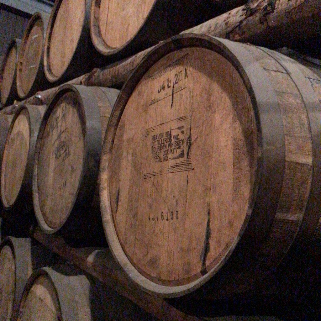 秩父蒸溜所にあったヘブンヒルの樽。他にもジャックダニエル、フォアローゼス、ジム・ビームなど。