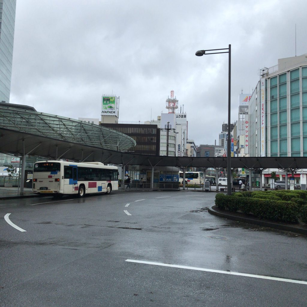 静岡駅前のロータリー