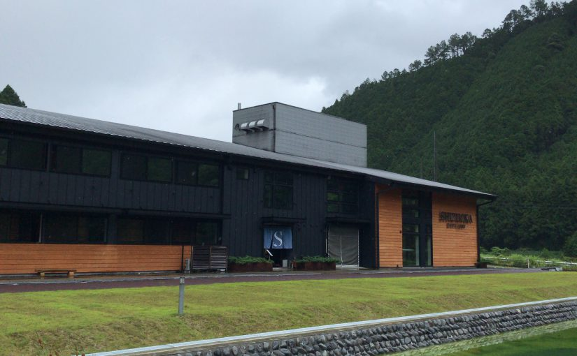静岡蒸溜所 – 薪直火蒸留器と軽井沢蒸留器